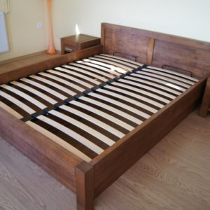 lozko drewniane